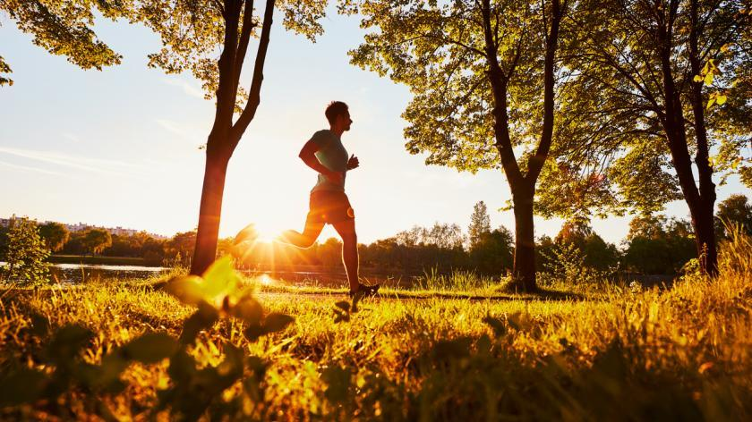 Woman running | Overcoming the last mile problem in learning analytics
