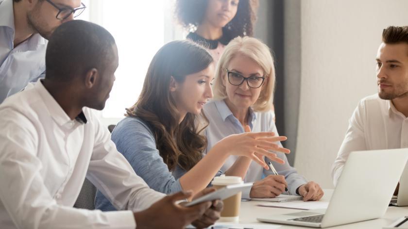 mentor teaching employees